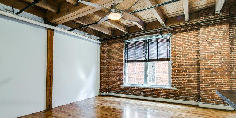 1450 Wynkoop 2G Denver CO-large-007-32-Living Room3-1500x1000-72dpi