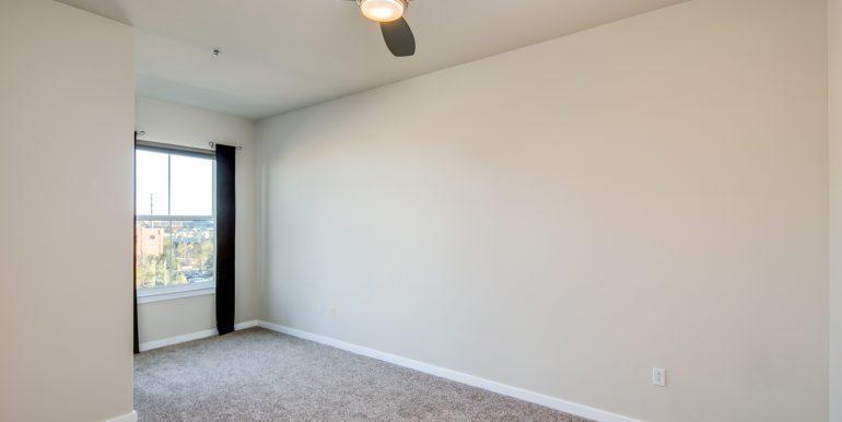 21_Master Suite-Bedroom-1