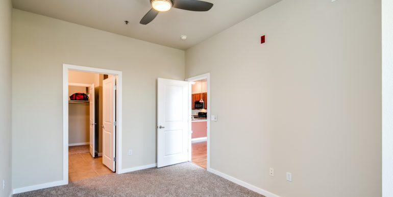 28_Master Suite-Bedroom-4