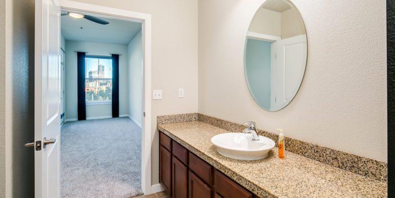 29_Master Suite-Bathroom-3