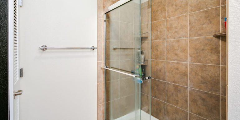 32_Master Suite-Bathroom-4
