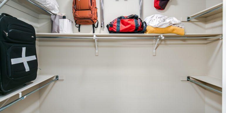 33_Master Suite-Walk In Closet-1