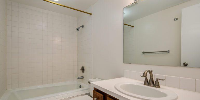 17_Bathroom Two-1