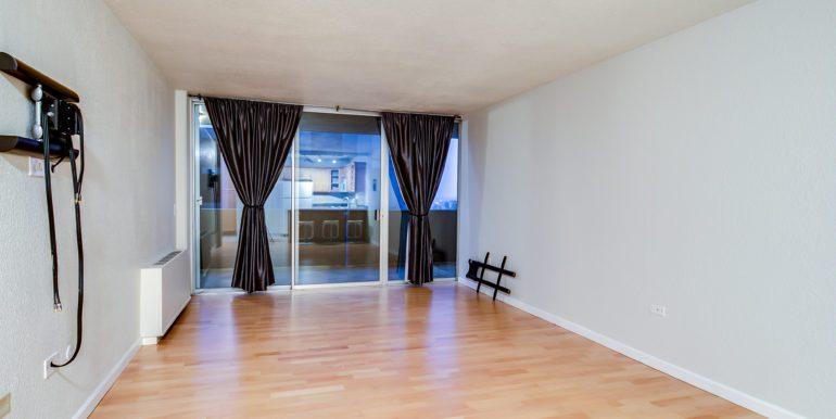 11_Living Room-1