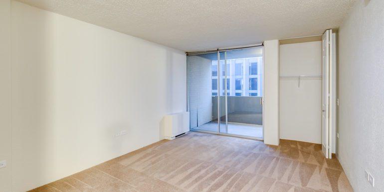 18_Master Suite-Bedroom-1