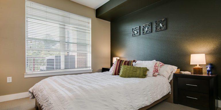 19_Master Suite-Bedroom-1