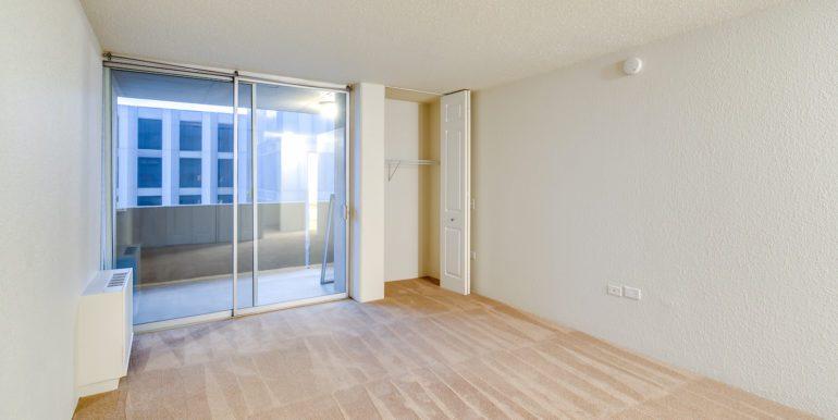 20_Master Suite-Bedroom-3