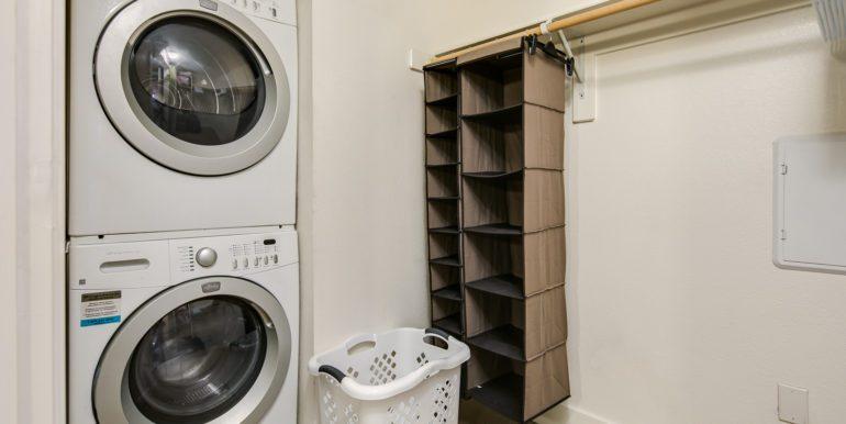 23_Master Suite-Walk In Closet-Laundry Room-2