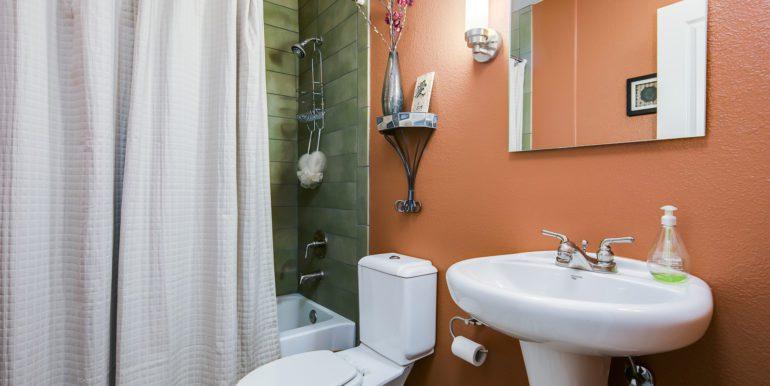 24_Bathroom Two-1