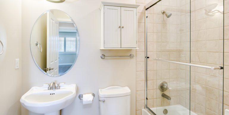 25_Bathroom Two-1