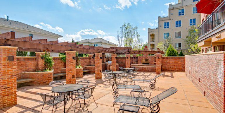 31_Community-Outdoor Lounge-Sun Deck-1