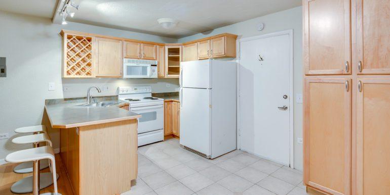8_Kitchen-5