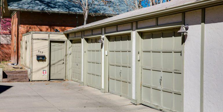 27_Exterior-Back-Garage-1