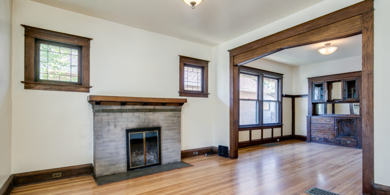5_Living Room-1