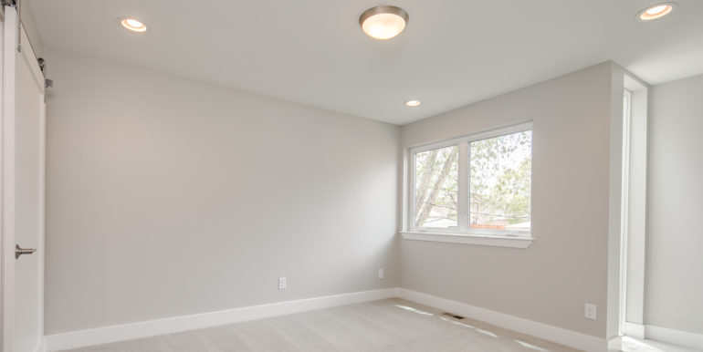 15_Second Level-Master Suite-Bedroom-1