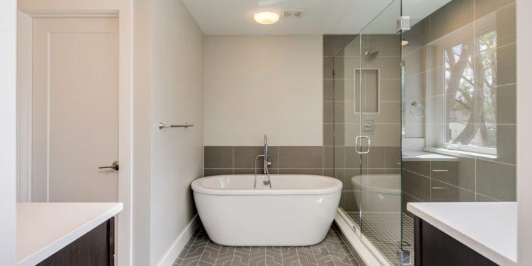 18_Second Level-Master Suite-Bathroom-1
