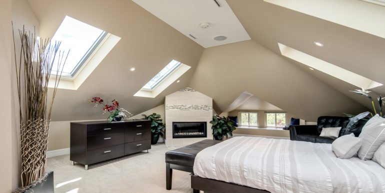 26_Upper Level-Master Suite-Bedroom-2