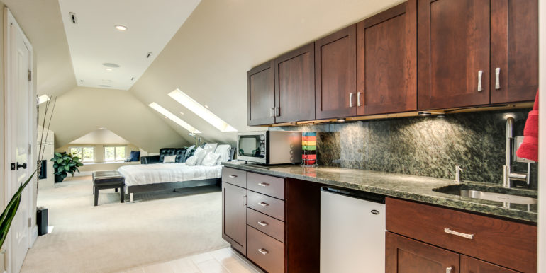 31_Upper Level-Master Suite-Kitchenette-2