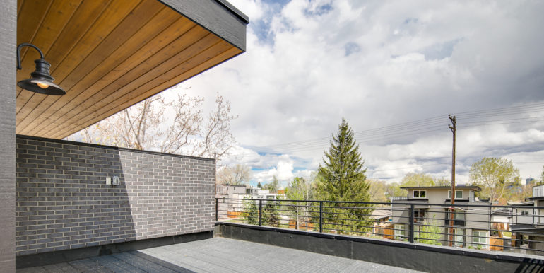 32_Upper Level-Rooftop Deck-2