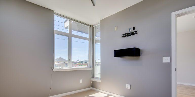 11_Master Suite-Bedroom-1