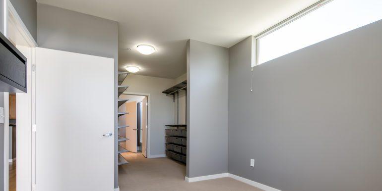 13_Master Suite-Bedroom-3