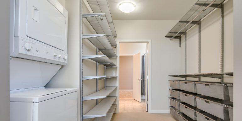 14_Master Suite-Walk In Closet-1