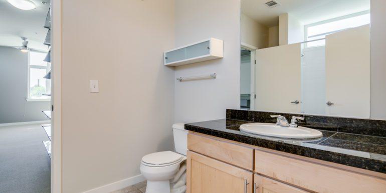 15_Master Suite-Bathroom-1