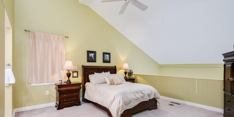 18_Upper Level-Master Bedroom-1