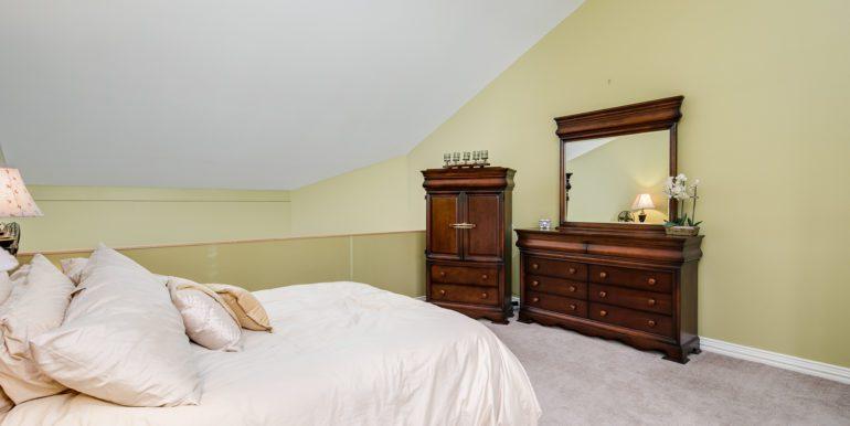 19_Upper Level-Master Bedroom-2