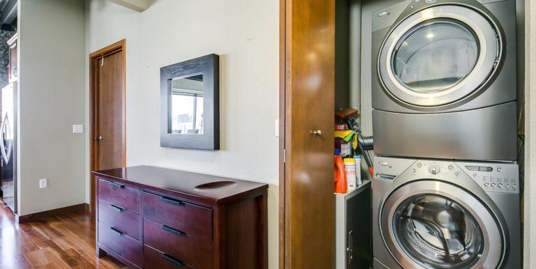 16_Laundry Room-1