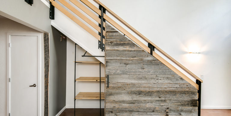 18_Staircase-Storage-1