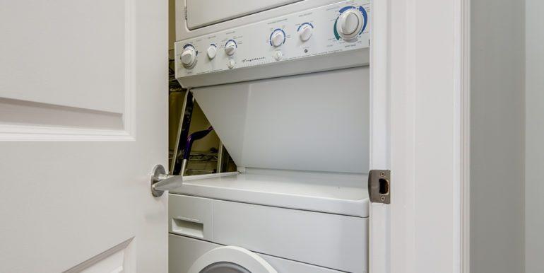 19_Laundry Room-1
