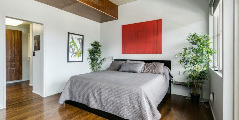 26_Master Suite-Bedroom-3