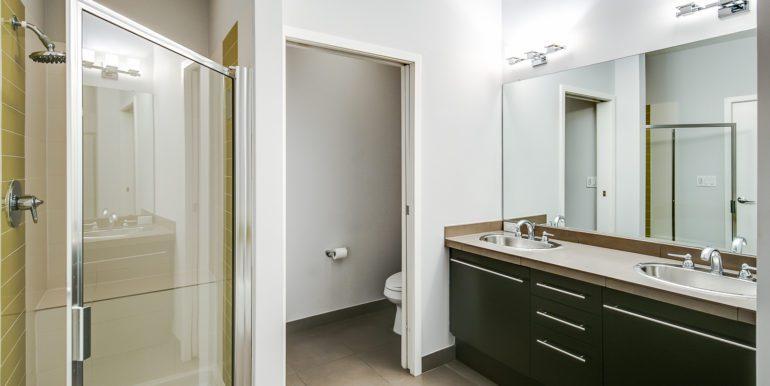 27_Second Level-Master Suite-Bathroom-1