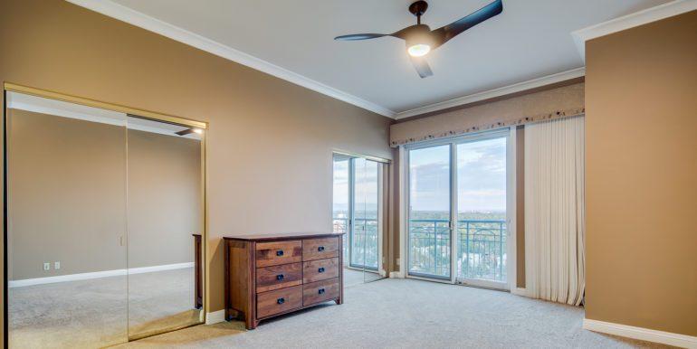 28_Master Suite-Bedroom-2