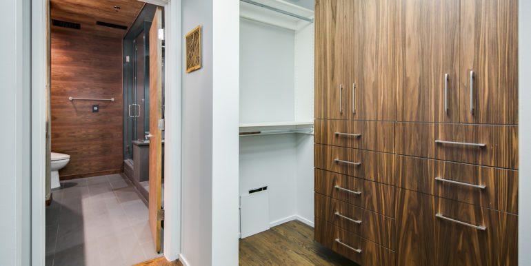 28_Master Suite-Walk In Closet-2