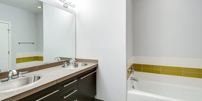 28_Second Level-Master Suite-Bathroom-2