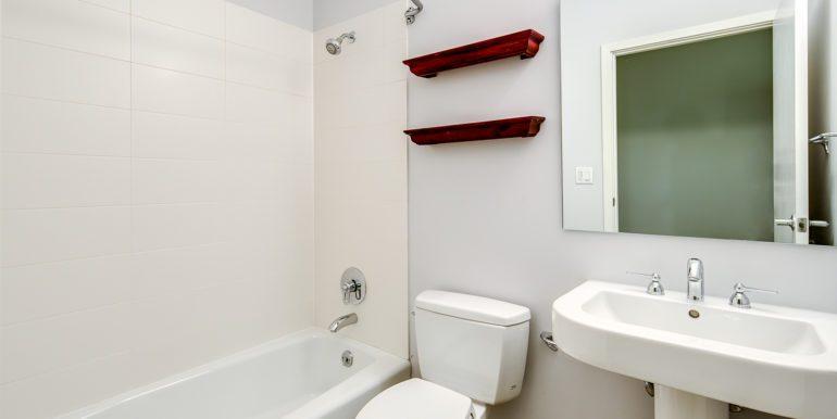 32_Second Level-Bedroom Suite Two-Bathroom-1