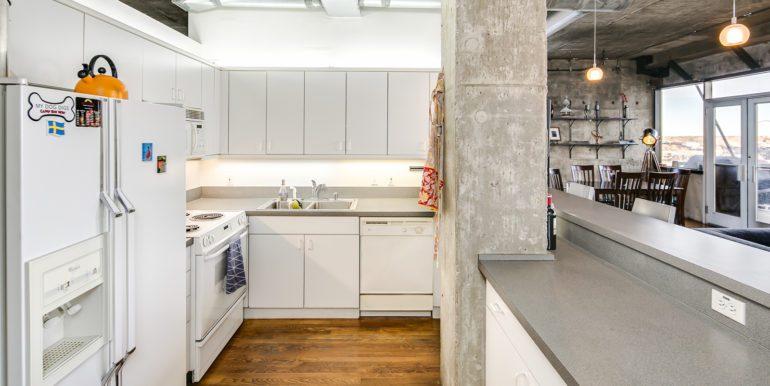 11_Kitchen-3