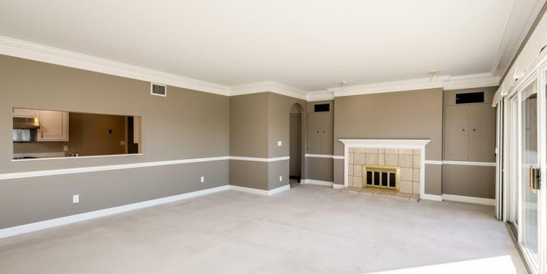 11_Living Room-5