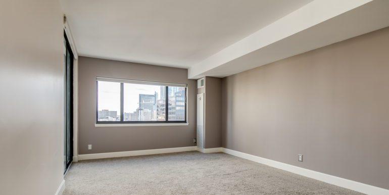 13_Master Suite-Bedroom-1 (1)