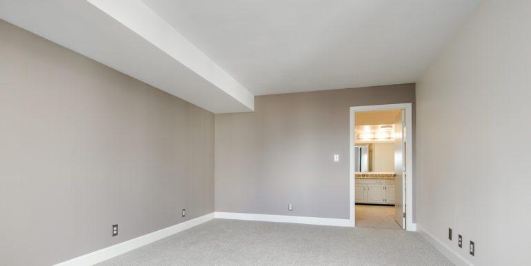 15_Master Suite-Bedroom-3