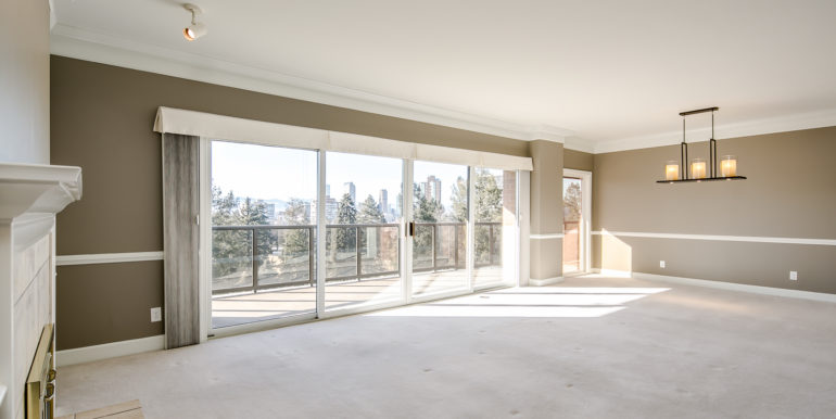 8_Living Room-2