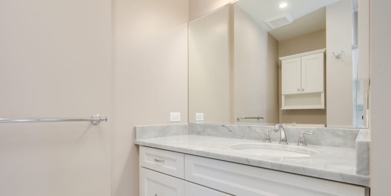 27_Master Suite-Bathroom-5
