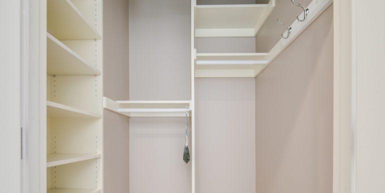 28_Master Suite-Walk In Closet-3