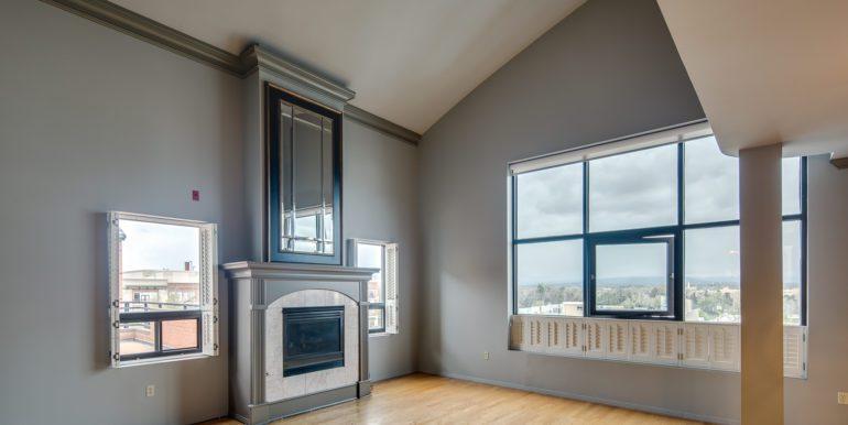 2_Living Room-3