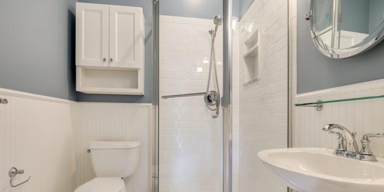 32_Bathroom Two-3