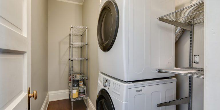 34_Laundry Room-3