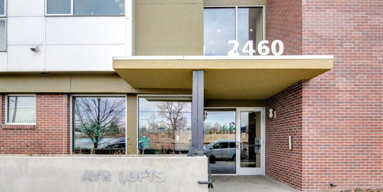 4_Exterior-Front-Entry-1