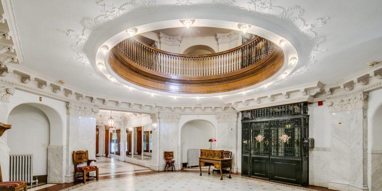 5_Building-Foyer-3